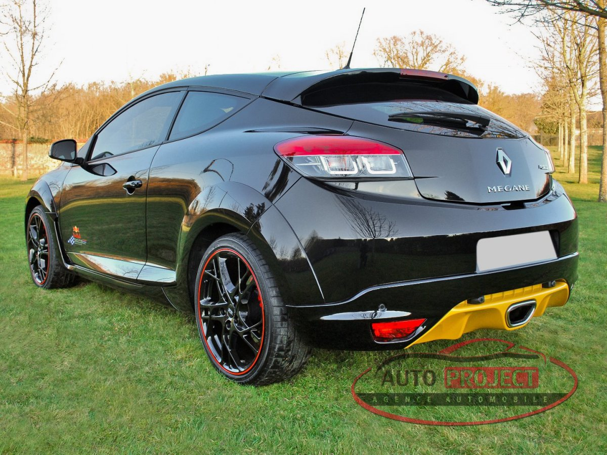 renault megane iii coupe 2 0 turbo 265 rs red bull racing n 275 voiture d 39 occasion evreux. Black Bedroom Furniture Sets. Home Design Ideas