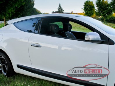 RENAULT MEGANE III COUPE 2.0 DCI 160 FAP GT - 11