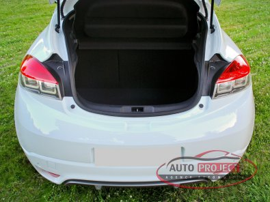 RENAULT MEGANE III COUPE 2.0 DCI 160 FAP GT - 10