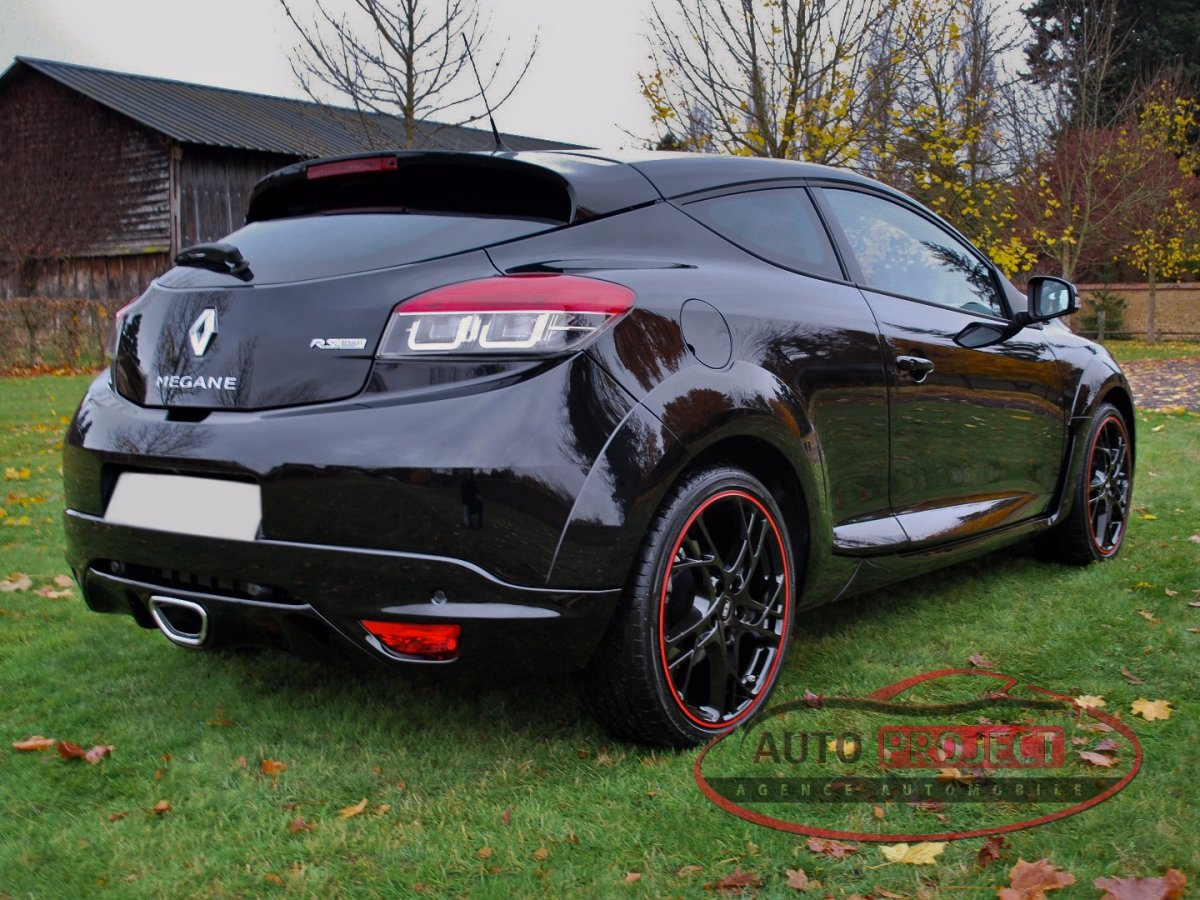 renault megane iii coupe 2 0 turbo 265 rs voiture d. Black Bedroom Furniture Sets. Home Design Ideas