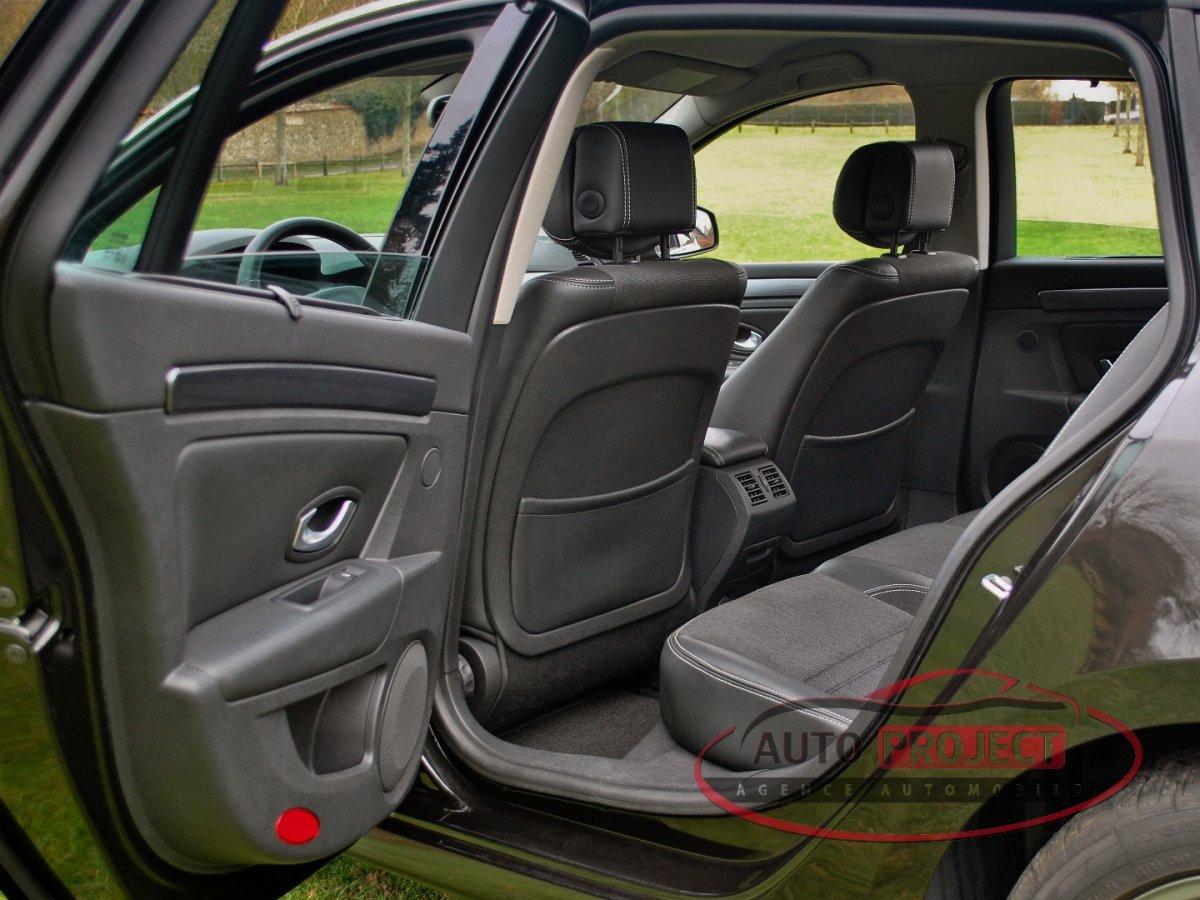 renault laguna iii estate 2 0 dci 150 fap celsium voiture d 39 occasion evreux 27000 auto. Black Bedroom Furniture Sets. Home Design Ideas