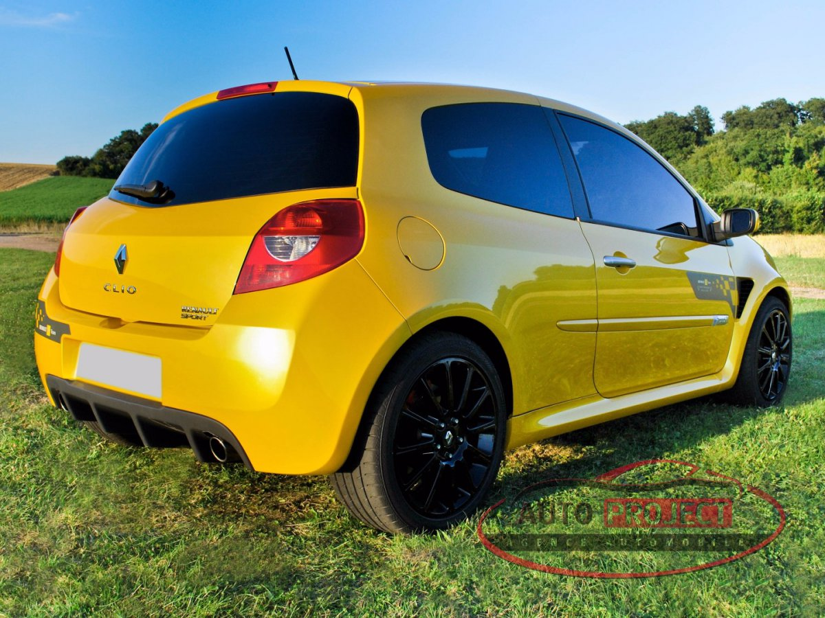 renault clio iii 2 0 16v 197 rs f1 team r27 n 927 voiture d 39 occasion disponible auto project. Black Bedroom Furniture Sets. Home Design Ideas
