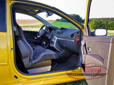 RENAULT CLIO III 2.0 16V 197 RS F1 TEAM R27 N°927 - 16