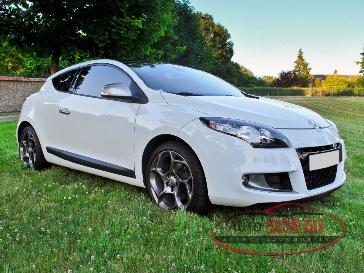 renault megane iii coupe 2 0 dci 160 fap gt voiture d 39 occasion disponible auto project. Black Bedroom Furniture Sets. Home Design Ideas