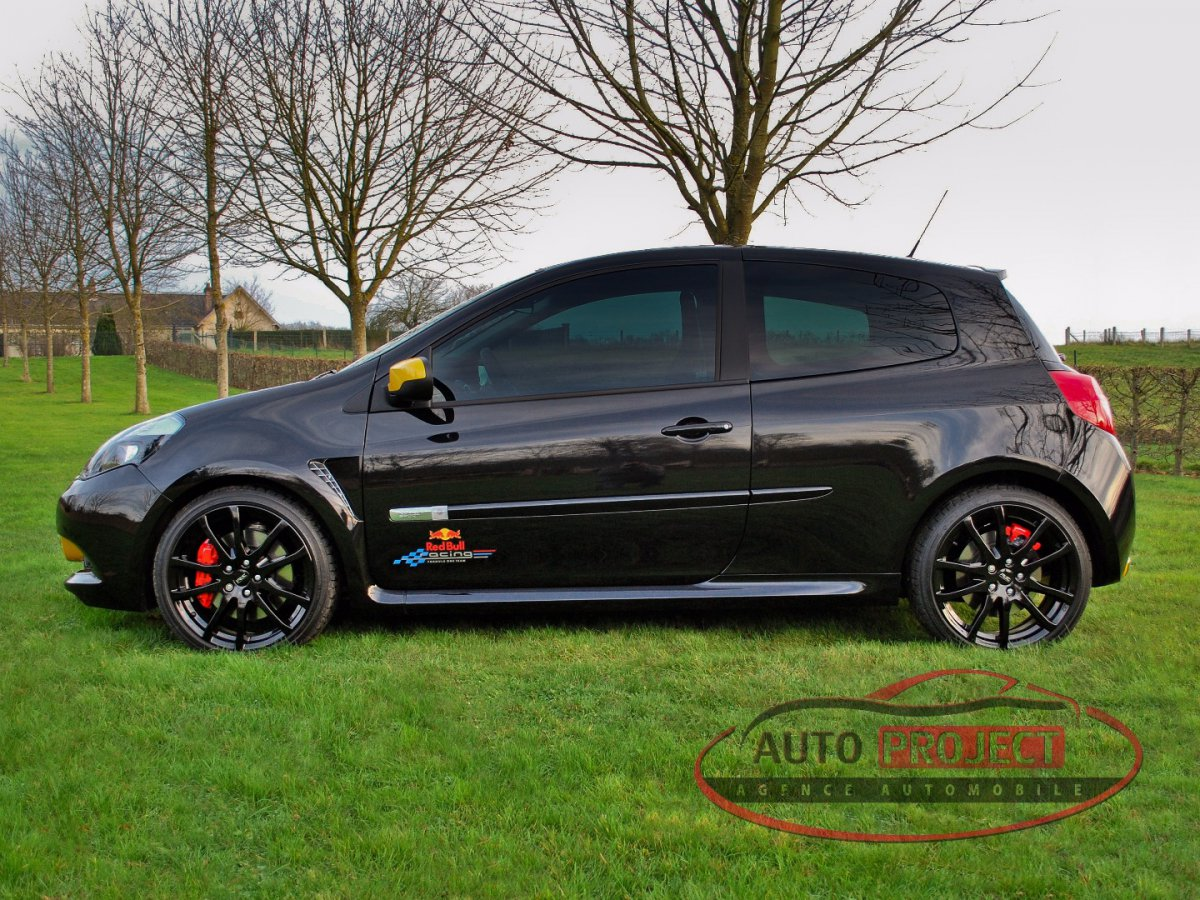 renault clio iii 2 0 16v 203 rs red bull racing rb7 n 296 voiture d 39 occasion disponible auto. Black Bedroom Furniture Sets. Home Design Ideas