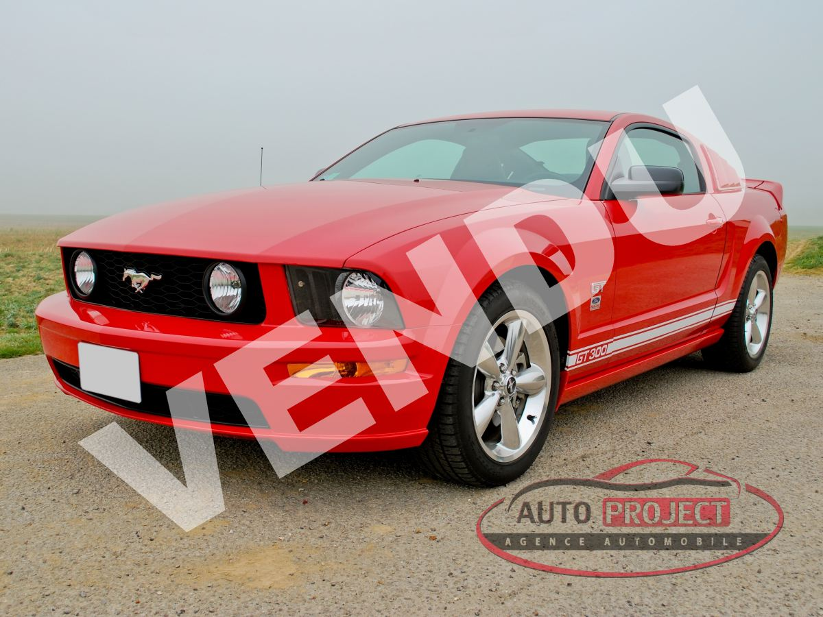 ford mustang coupe 4 6 v8 300 gt premium voiture d 39 occasion saint cyr la campagne 27370. Black Bedroom Furniture Sets. Home Design Ideas