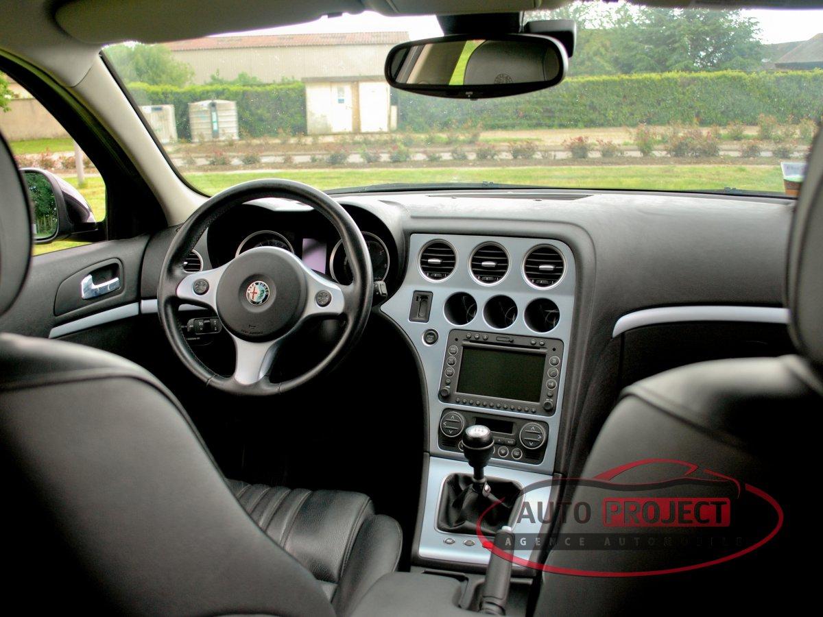 alfa romeo 159 1 9 jtdm 150 selective voiture d 39 occasion. Black Bedroom Furniture Sets. Home Design Ideas
