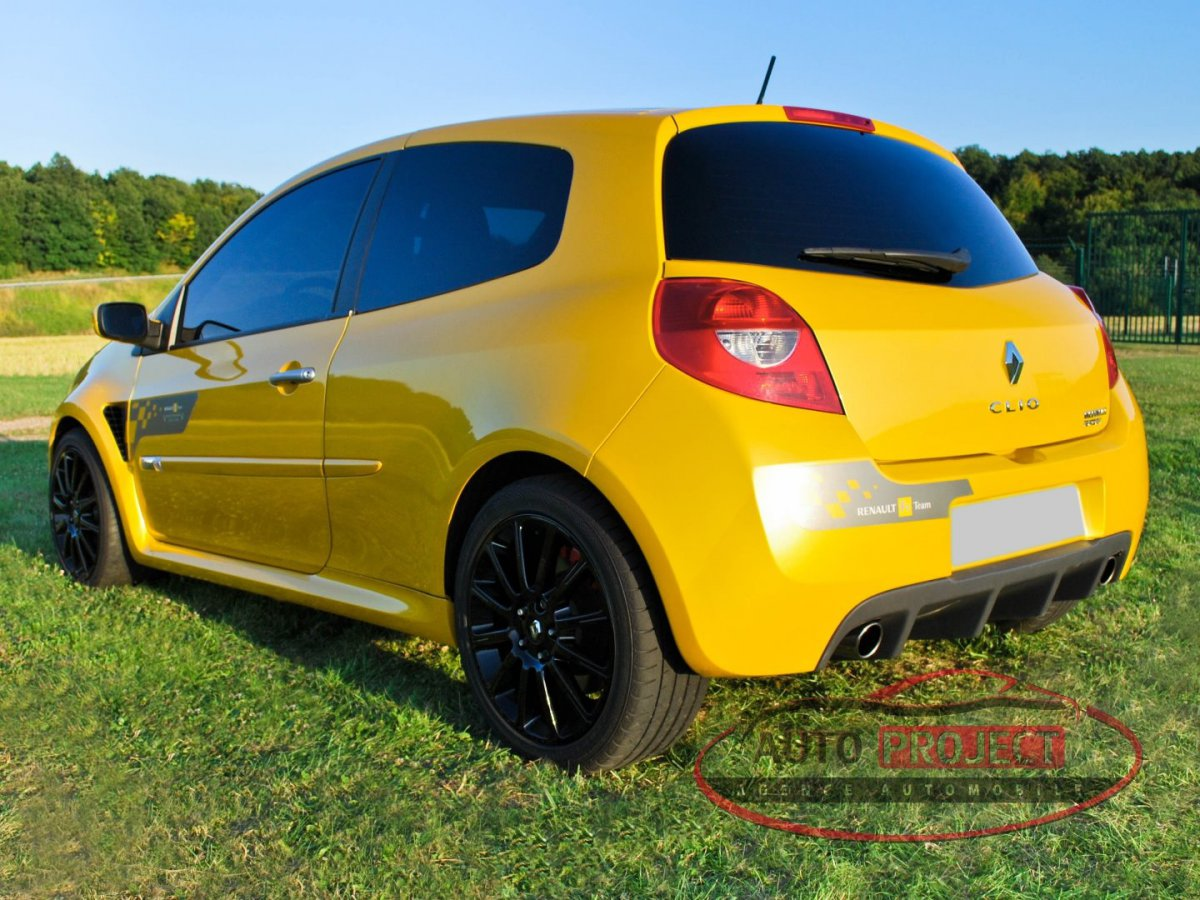 renault clio iii 2 0 16v 197 rs f1 team r27 n 927 voiture d 39 occasion arnieres sur iton. Black Bedroom Furniture Sets. Home Design Ideas