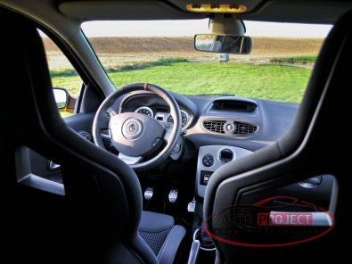 RENAULT CLIO III 2.0 16V 197 RS F1 TEAM R27 N°927 - 13