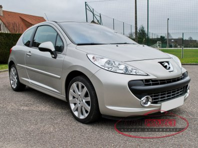 peugeot 207 1 6 hdi 110 fap feline voiture d 39 occasion evreux 27000 auto project agence. Black Bedroom Furniture Sets. Home Design Ideas