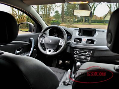 RENAULT MEGANE III COUPE 2.0 DCI 160 FAP GT - 14